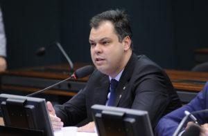 Câmara aprova prazos para implantação gradual de sistema de controle de remédios