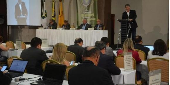 Reação às reformas, fortalecimento da união e descarte de medicamentos em discussão na Reunião Geral