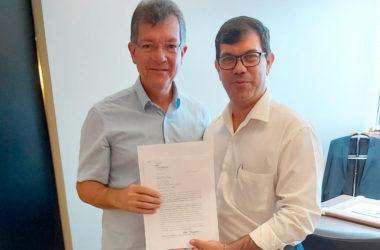 Sicofase entrega Ofício ao Presidente Laércio Oliveira